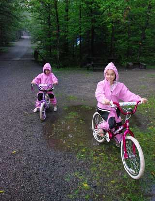 GettingOutside Kids Testing Puddlegear Raingear