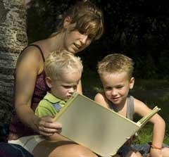 Mom Explores History Lesson Plans with Kids