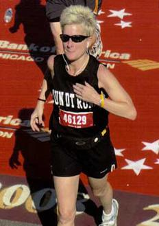 Shelley Brown runs the Chicago Marathon